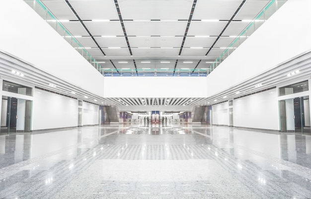 Centro comercial vacio