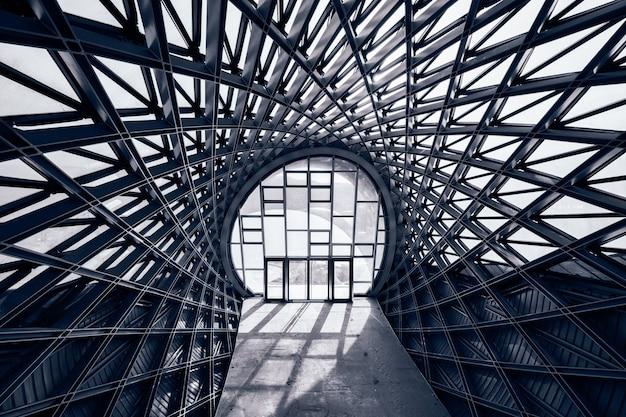 Centro de exposiciones abandonado en tbilisi