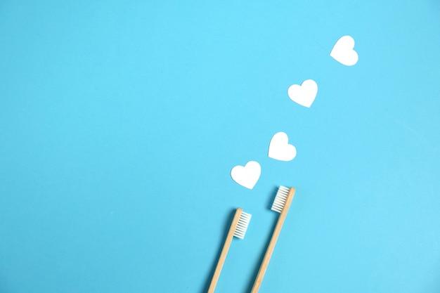 Cepillos de dientes ecológicos de bambú de madera, corazones