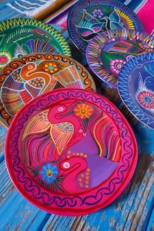 Cerámica mexicana estilo talavera de mexico.