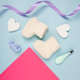 Cerca de calcetines de bebé