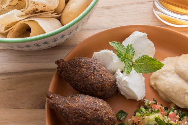 Cerca de la comida del medio oriente. comida arabe