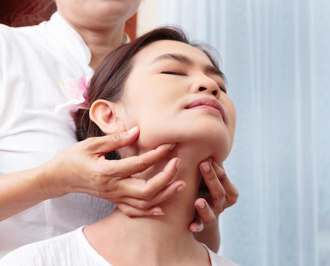 gratis masaje semen en la cara