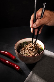 De cerca la deliciosa comida asiática