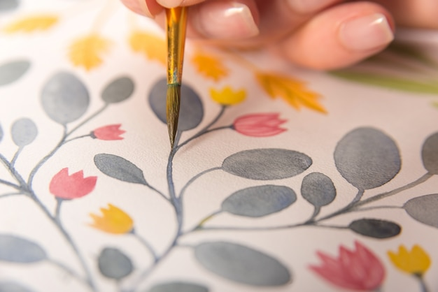 Cerca del diseño de flores en papel
