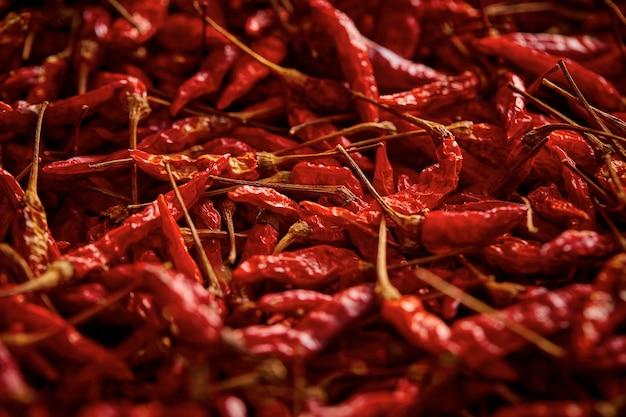 Cerca de fondo de textura de chile rojo seco seco, el chile rojo seco karen es el chile tradicional de asia (prik ka reang)