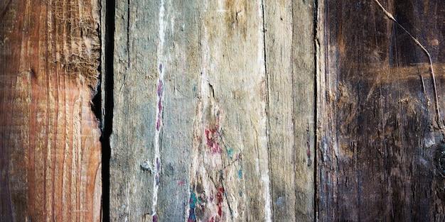 Cerca del viejo fondo shabby de madera natural