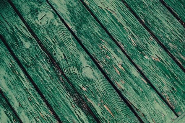Cerca de viejos tablones de madera