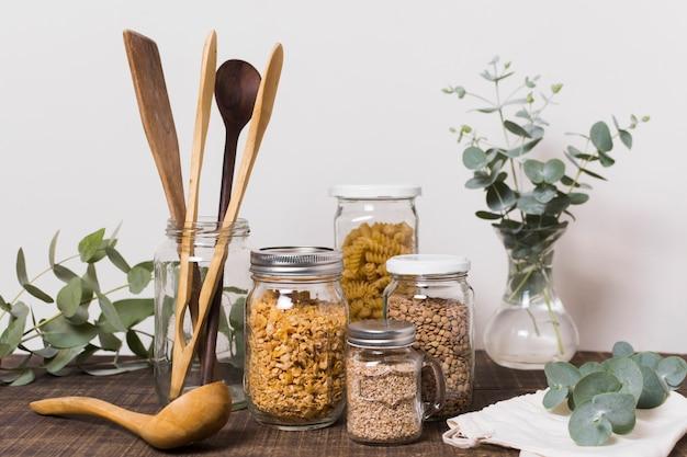 Cero productos de desecho en la mesa de madera