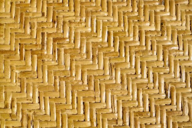 Cerrar amarillo horizontal encima de la macro geométrica