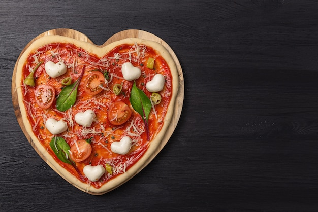 Cerrar los ingredientes de la pizza margarita