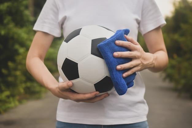 Cerrar limpieza de manos fútbol y football league regresan
