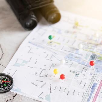 Cerrar mapa desenfocado con pinpoints