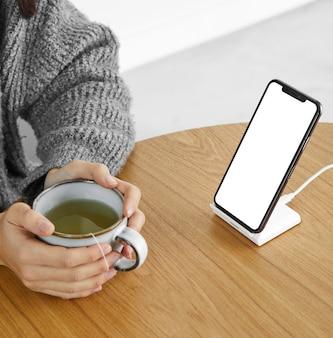 Cerrar móvil de pantalla en blanco