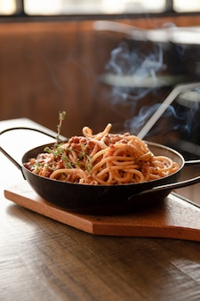 Cerrar un plato de espagueti
