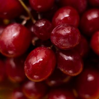 Cerrar uvas rojas