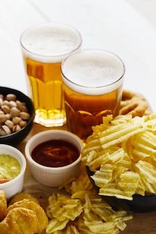 Cerveza y bocadillos