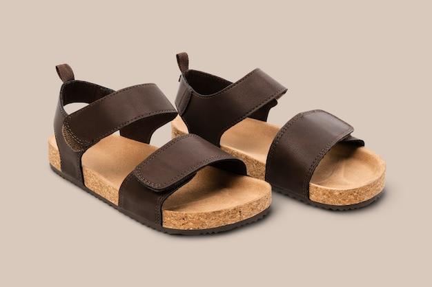 Chanclas marrones moda de calzado de verano
