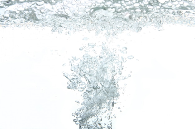 Un chapoteo abstracto de agua dulce