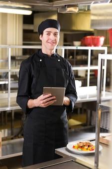 Chef con una tablet