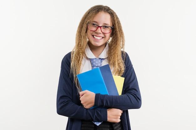 Chica adolescente, estudiante de secundaria