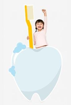Chica alegre con iconos de cuidado dental