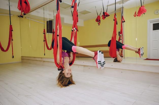 Chica en el gimnasio