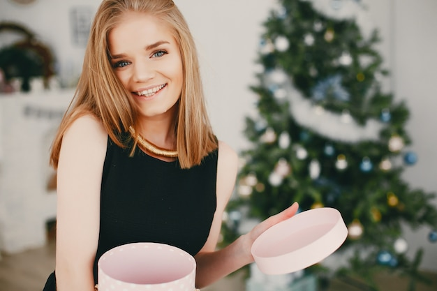 Chica hermosa navidad