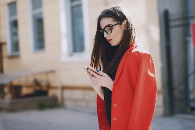 Chica con teléfono