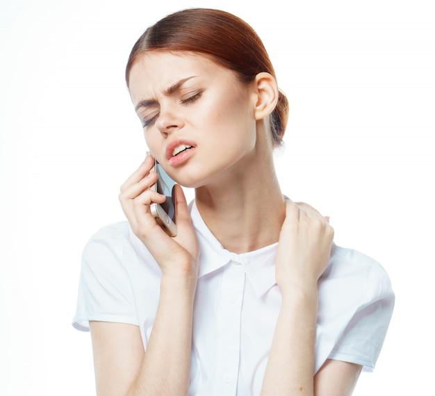 Chica con un telefono