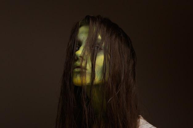 Chica zombie malvada