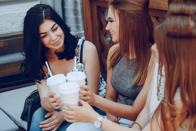 Chicas con café