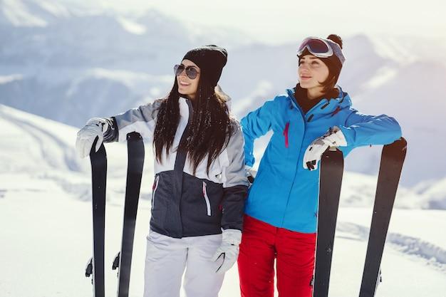 Chicas con esquí