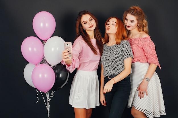 Chicas con globos
