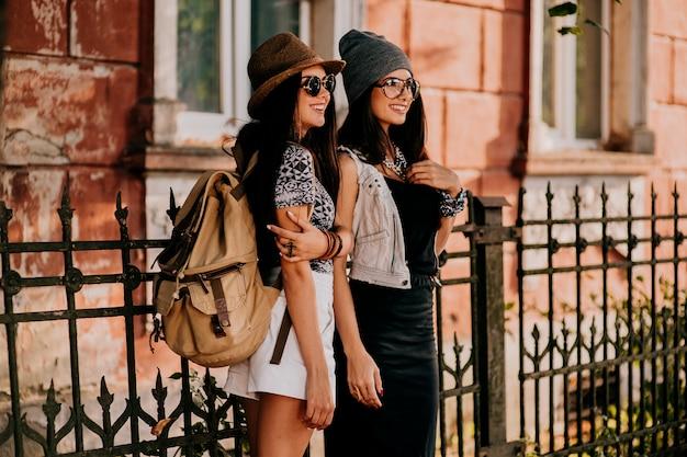 Chicas guapas adolescentes