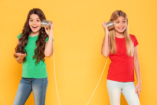 Chicas con walkie talkie