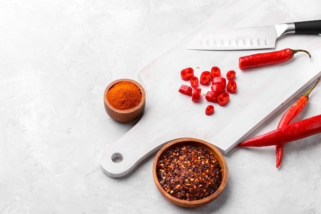 Chiles rojos, hojuelas y polvo
