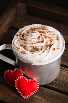 Chocolate caliente con crema batida