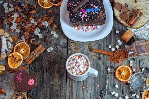 Chocolate en una taza con malvavisco