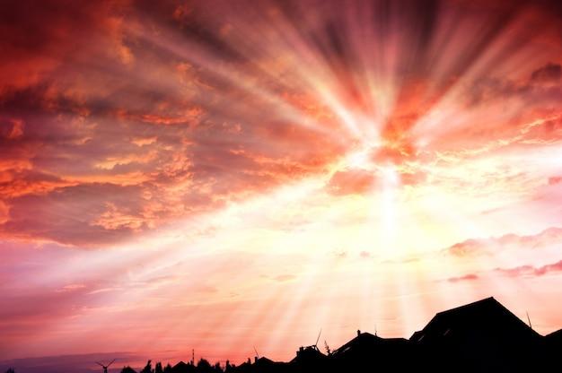 Cielo del día de alta energía solar