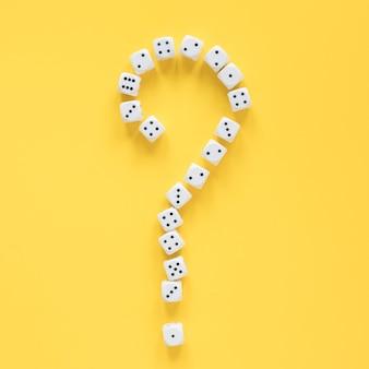 Ciencia de probabilidades de dados y signo de interrogación