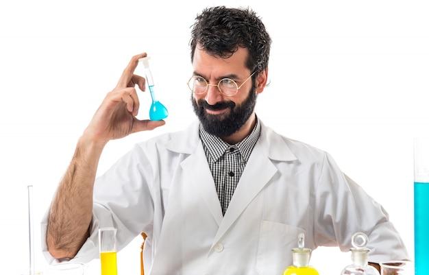 Científico, hombre, prueba, tubos