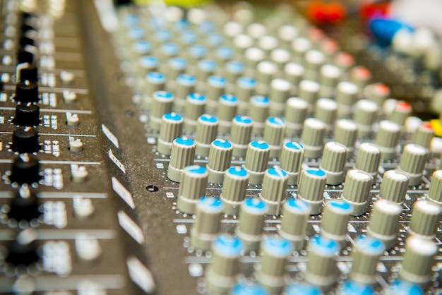 Cierre de botones de ajuste de sonido