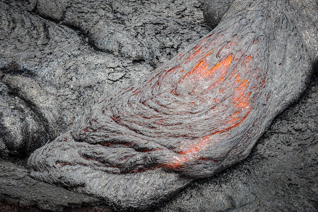 Cierre de flujo de lava en el campo de lava