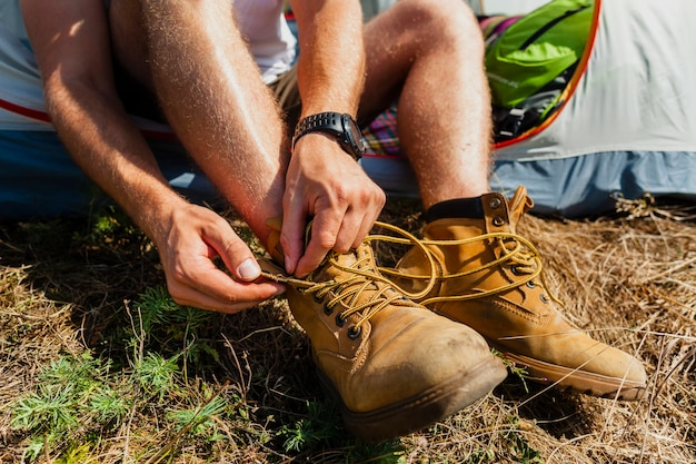 Cierre masculino de cordones de zapatos
