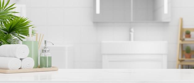 Cierre la mesa con espacio de maqueta y accesorios de baño sobre un moderno y luminoso baño en 3d.