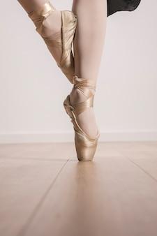 Cierre de zapatos de ballet pointe