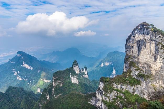 La cima de la montaña tianmen zhangjiagie changsha china