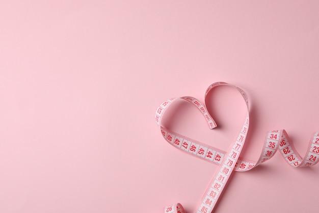 Cinta métrica en forma de corazón