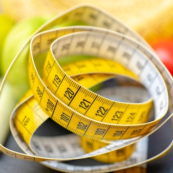 Cinta métrica para medir la circunferencia.